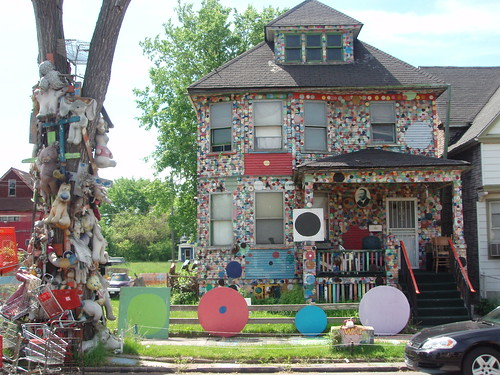 The Heidelberg Project P5240054