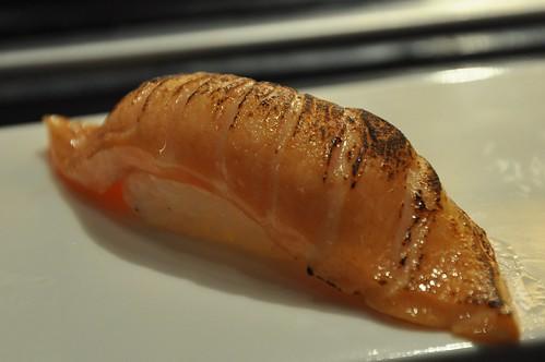 你拍攝的 炙燒鮭魚壽司。