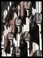 Farolas (Guilleflash) Tags: edificio rosario farolas clasico balcones patrimonio arquitectonico rosarigasinos palaciofuentes safariportea