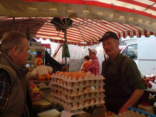 Bauer Ernst auf dem Konstabler Erzeuger Markt