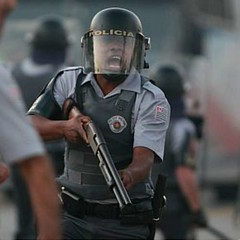 strike and violence at USP (cel.sp.br) Tags: sopaulo military police militar pm usp greve polcia universidadedesopaulo pmsp