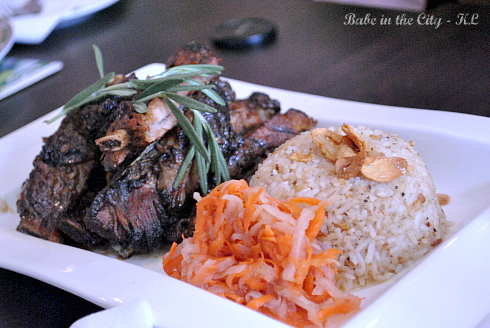 Black Pepper Spare Ribs with Garlic Butter Rice With Pickled Veggies RM60