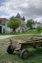 (pas le matin) Tags: trees church clouds village arbres romania cart nuages eglise roumanie charrette fortifiedchurch romanianlandscape eglisefortifie paysageroumain