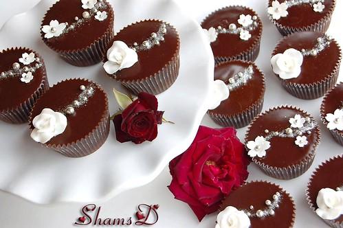 Wedding Cupcakes...White n Silver