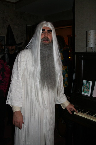 Saruman playing ominous low note