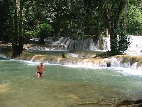 Zalig zwemmen bij de watervallen