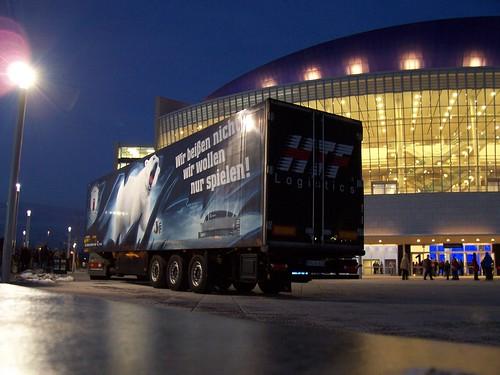 Eisbären-Truck
