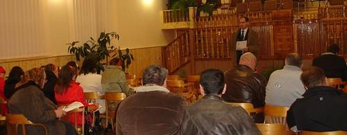 Vasle Filat predă studiu biblic la biserica din Corjeuţi