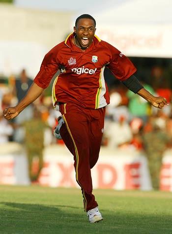 Thriller at Kingston-India vs WI 2nd ODI KIngston Jamaica 2006