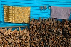Drying (KC Toh) Tags: blanket firewood drying tonlesaplake 木屋 木材 晒太阳 床单