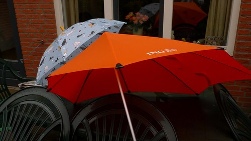 senz umbrella in orange