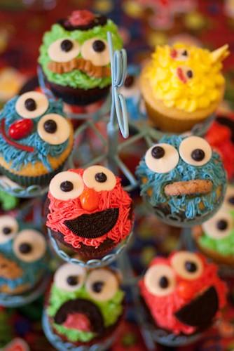 sesame street cupcakes. Sesame Street Cupcake Tower 2