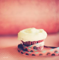 """It's not your birthday that's important but what you do between your birthdays."" (azyalg { Little Twinkles Photography }) Tags: birthday pink red friend naturallight leslie ribbon windowlight aziza redvelvetcupcake missyouguyssomuch ~danieleallen azyalg illtrytomakesomeflickrtime"