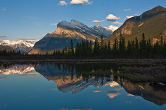 Mirroring Rundle (JoLoLog) Tags: sunset canada mountains reflection lakes alberta rockymountains mountrundle banffnationalpark lorien vermilionlakes thecanadianrockies canonxsi
