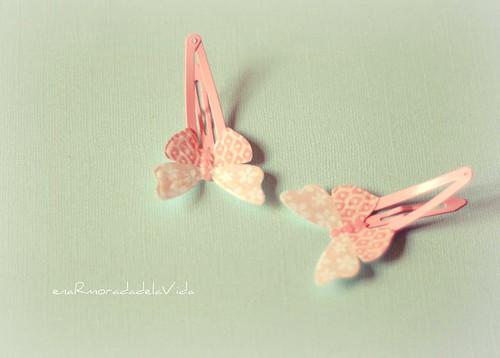 pink retro mariposas