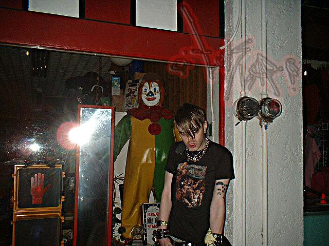 03042006 :: clowns