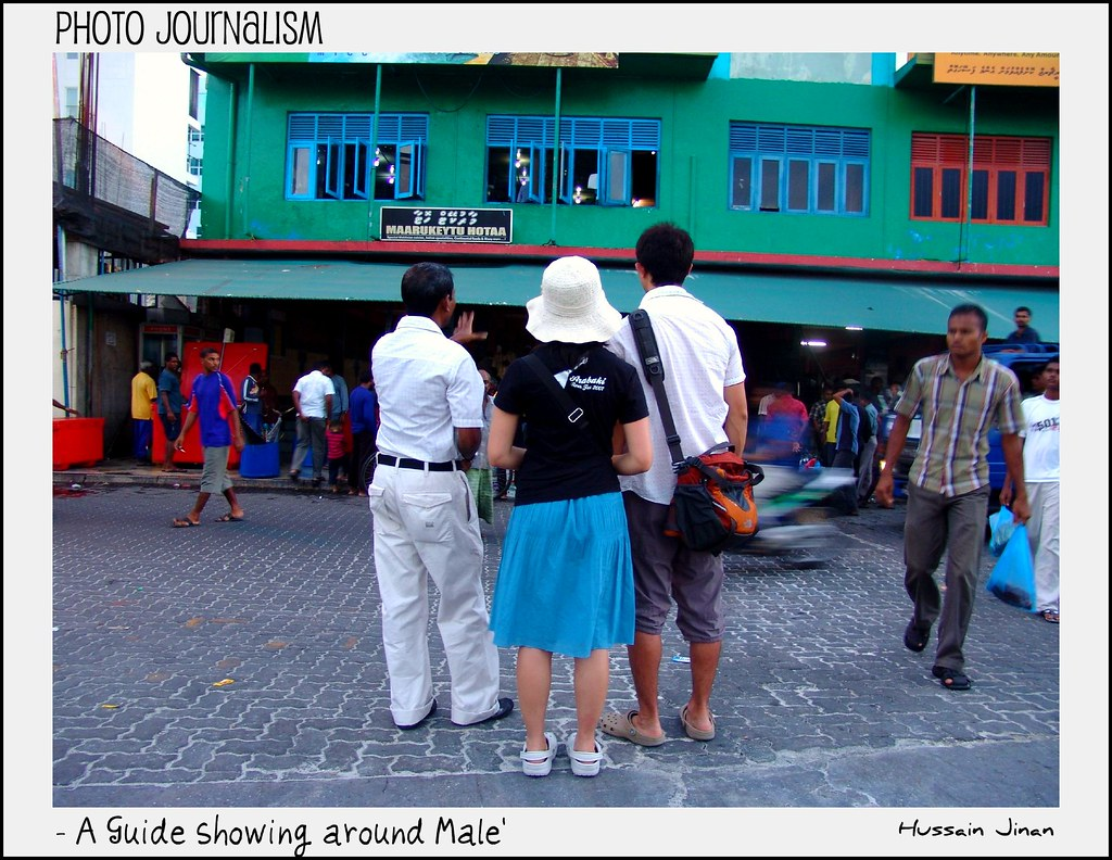 A guide Showing around Male'