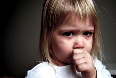 [フリー画像] [人物写真] [子供ポートレイト] [外国の子供] [少女/女の子] [泣き顔]      [フリー素材]