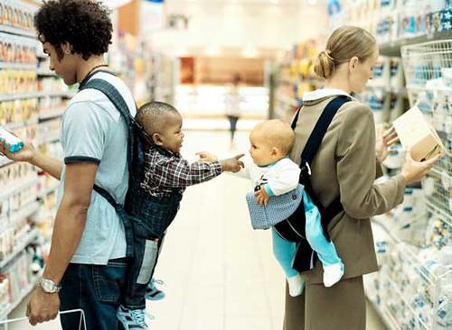 Thumb Bebés en el Supermercado crean su propia vida social
