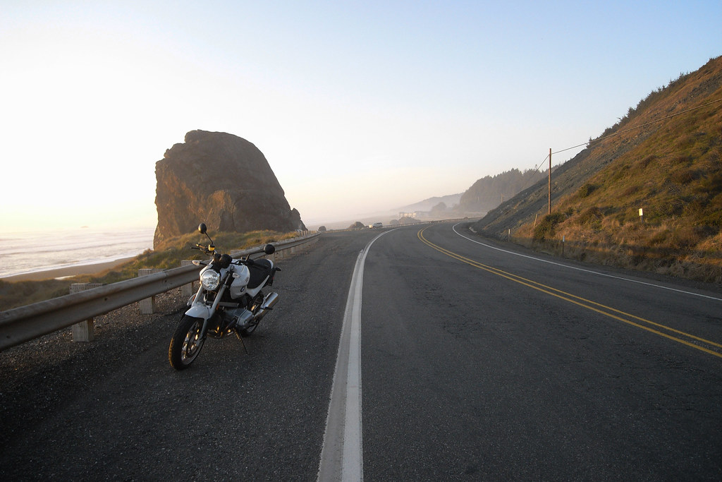 The sacrifices I make (2009 BMW R1200R on US-101 on the Oregon coast)