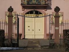 Prinz-Georg-Schloss, Tuer (AchimF) Tags: house building architecture germany deutschland design europe hessen haus architektur bauwerk gebude darmstadt gestaltung rheinmain baukunst wissenschaftsstadt