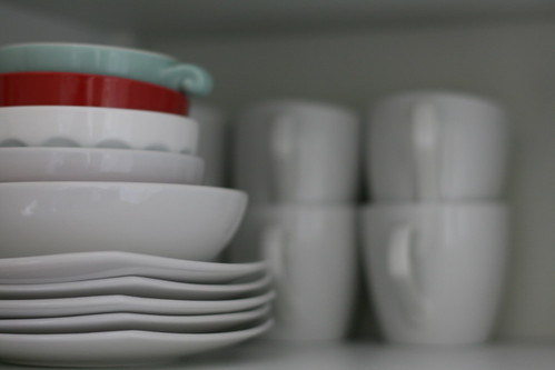 Love: tiny bowls & white dishes