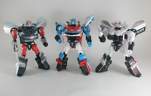 Transformers Smokescreen Classics Henkei vs Silverstreak vs Prowl - modo robot