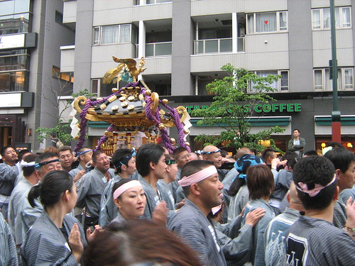 Light blue team and their mikoshi