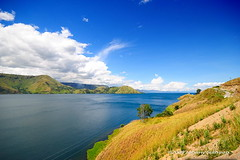 Sikodon-kodon, Danau Toba (Johnny Siahaan) Tags: sunset sky mountain lake nature water beautiful sunrise sumatra indonesia landscape volcano photo amazing nikon asia tour photos super highland stockphotos karo batak toba bestshot danau laketoba stockphotography sumatera berastagi utara supervolcano samosir beautifullandscape traveltravel photostock danautoba sumaterautara karohighland tongging kabanjahe sellphotos tobalake interestinglandscape tanahkaro indonesianphotographer sumatratravel visitindonesia fiveprime danaubiru pestadanautoba visitsumatra tujuanwisata johnnysiahaan kawasandanautoba sumatratourism northsumatratourism sumatraecotourism fototanahkaro fotodanautoba photodanautoba