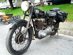 Triumph 3S single (gueguette80 ... non voyant pour une dure indte) Tags: old bike mai single triumph british 2010 picardie motos motorrad somme anciennes anglaises monocylindre pontnoyelles