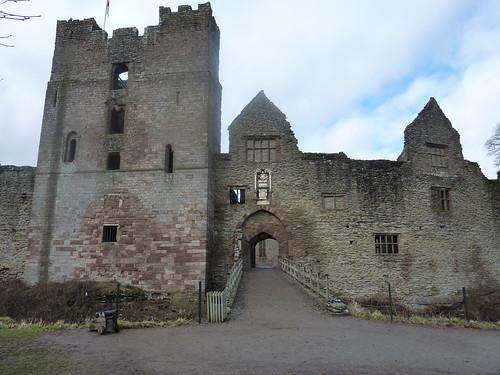 Ludlow Castle Shropshire England (10) - flckr - garybembridge