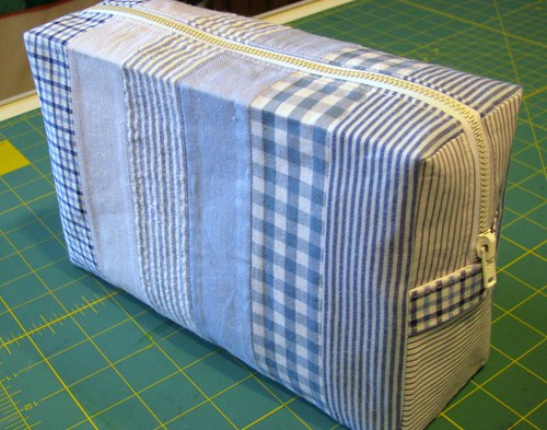 Shirting Stripes toiletry bag
