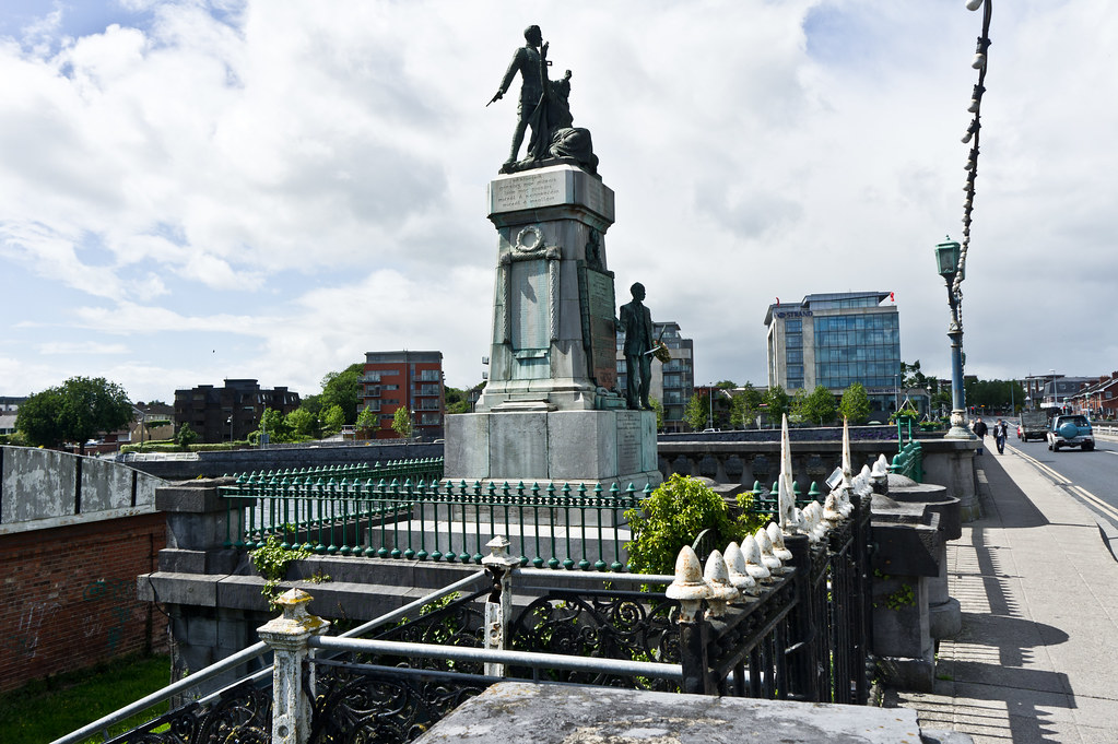 The Limerick 1916 Memorial, Sarsfield Bridge