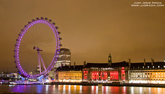 London Eye at night (VoLGio) Tags: christmas city uk greatbritain winter light london eye night canon eos navidad unitedkingdom londoneye londres gb invierno 1785 reinounido granbretaa 40d