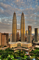 Landscape_KLCC @ Sunrise (Sutheshnathan) Tags: city morning beautiful beauty glitter night landscape towers twin landmark greatshot twintowers kualalumpur awe mala klcc magnificent tallest d300 platinumphoto estremit colourartaward goldenheartaward sutheshnathan
