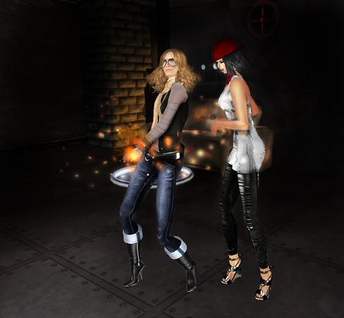 Carola & Suri Dancin' @ Seven! Underground