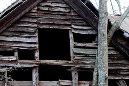 v rural decay 018