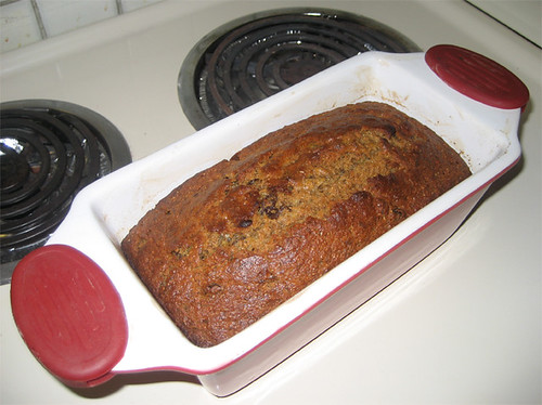 Banana bread with raisins