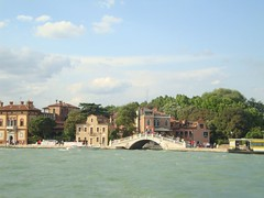 DSC01689 (La Tati) Tags: italy italia venecia gondolas