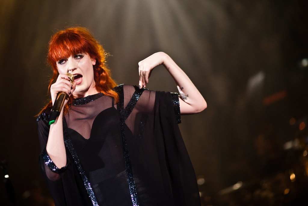 Florence & The Machine tells folks to put their hands on their shoulders