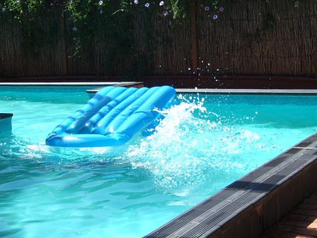 pool dunking 03