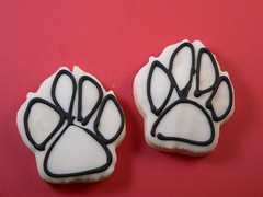 yummy little cookies... (Edible Art) Tags: cookies decorated dogpaws