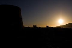 Torre de Cala Compte (ibzsierra junior) Tags: sun tower sol canon contraluz torre cel ibiza cielo eivissa kdd puesta cala baleares posta contrallum conta despejado yourcountry 1000d