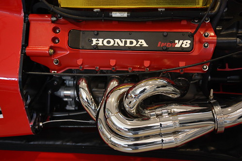 Do you think Honda/Acura will ever offer a large V8 sedan? (luxury