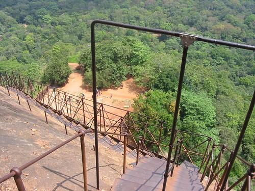 Winderige trapjes  op 200 m hoogte