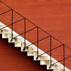 Stair Square (raumoberbayern) Tags: red white black rot topv111 stairs river topv555 frankfurt topv1111 main topv444 fv5 minimal treppe fluss topv666 weiss robbbilder topf5 stripesabstract
