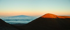 Mauna Kea Sunset (efiniste) Tags: sunset shadow panorama volcano hawaii summit maunakea elevation40004500m summitmaunakea