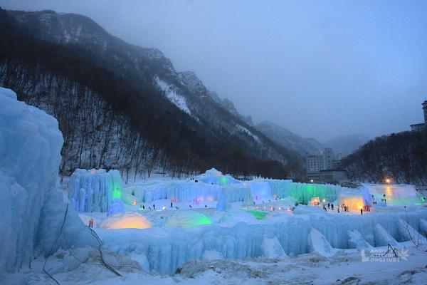 2009北海道-D4-7-層雲峽冰瀑慶典_03.jpg