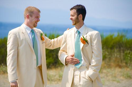 sposo stesso abito testimone