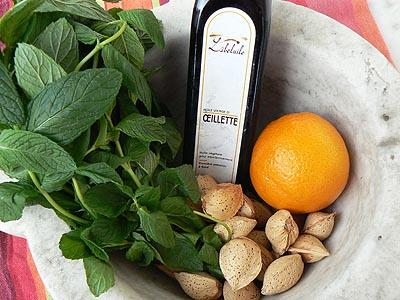 menthe, orange, amandes et huile d'oeillette ....jpg